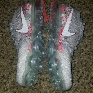 Grey&pink Nike vapormax
